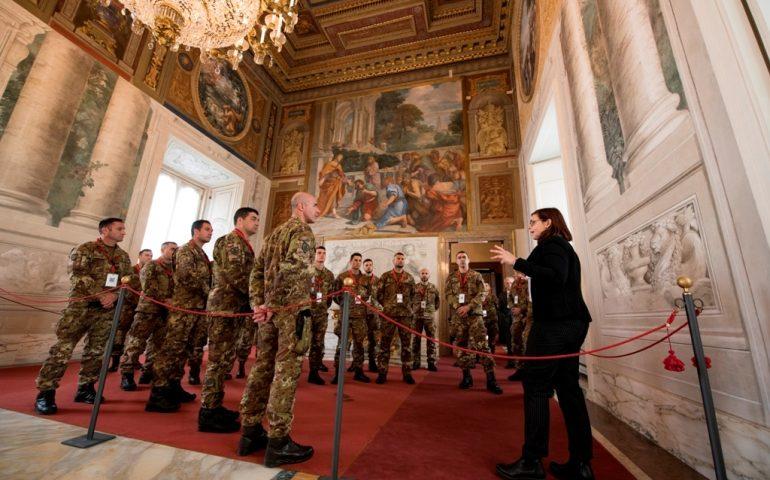 (FOTO) I militari della Brigata Sassari impegnati a Roma visitano il Quirinale