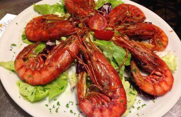 La ricetta Vistanet di oggi: gamberoni alla griglia, un classico extralusso della cucina cagliaritana