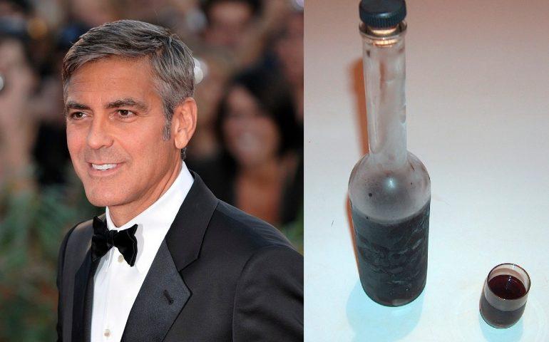 """George Clooney a Oggi: """"Adoro il carasau. Il mirto? Lo bevo da 20 anni, mi fa ringiovanire!"""""""