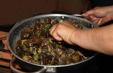 La ricetta Vistanet di oggi: sizigorrus a schiscionera, le lumache in verde