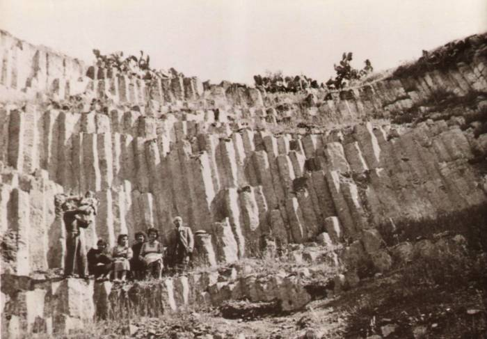 Foto storica della cava di Monte Cépara