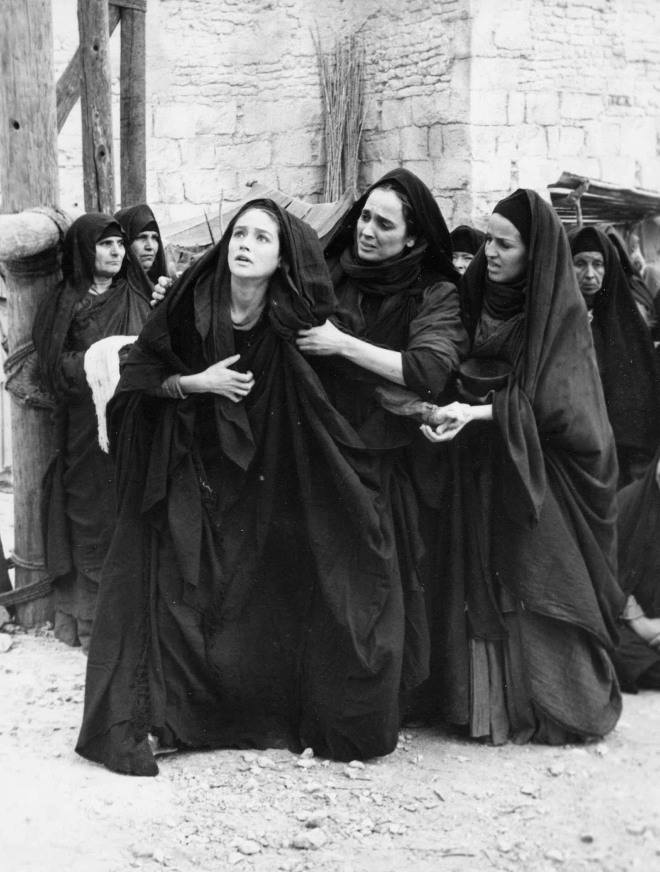 Maria Carta in una scena di Gesù di Nazareth di Franco Zeffirelli - Foto di Fondazione Maria Carta