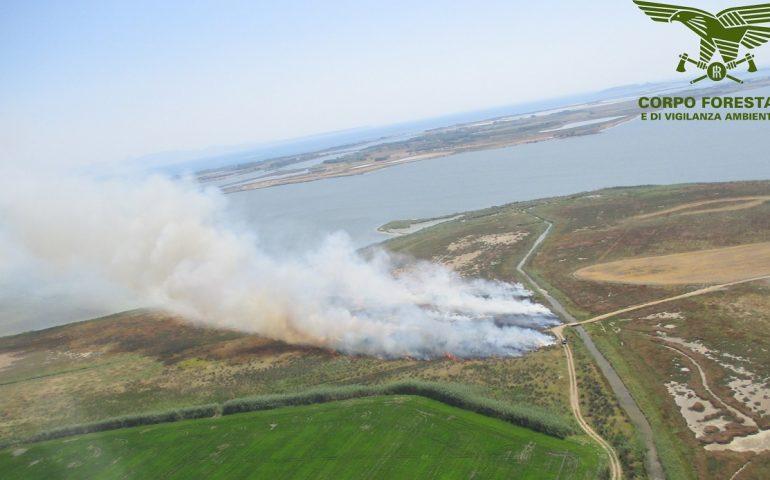Ancora incendi in Sardegna: quattro roghi spenti tra Pula, Cabras e Budoni