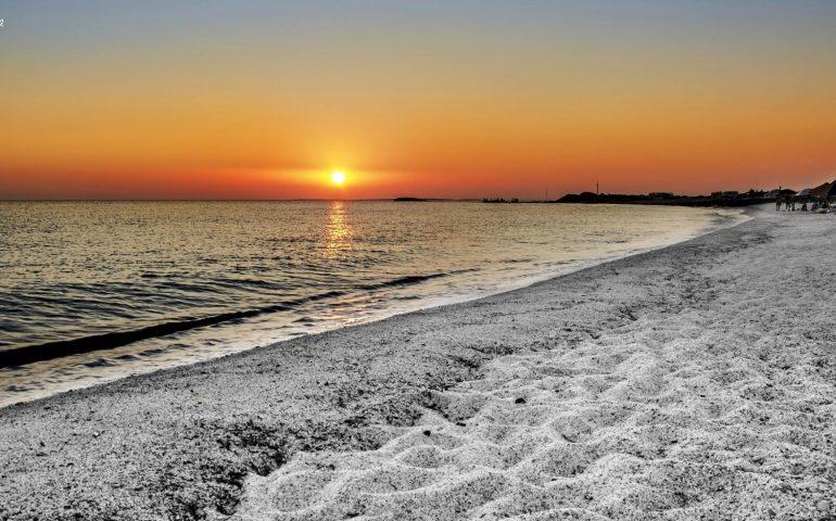 La foto. Mari Ermi al tramonto nel magnifico scatto di Giancarlo Flore