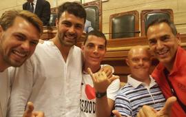 Francisco Porcella per la Olimpia Onlus: oggi al Poetto il campione di surf con gli atleti della Polisportiva