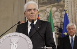 Crisi di governo, tutto rimandato a martedì, Mattarella: «La crisi va risolta in tempi brevi»