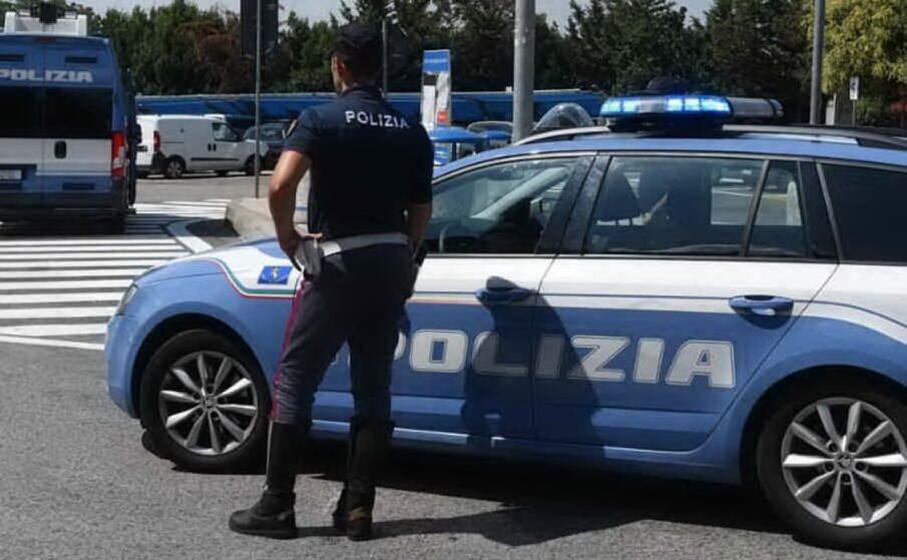 09-09-2021_paura_sulla_statale_131_per_un_minore_in_contromano_la_polizia_evita_una_tragedia.html