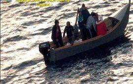 Migranti: in 51 arrivano dall'Algeria in Sardegna