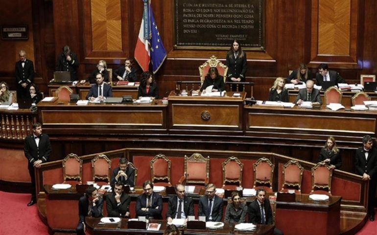 Crisi di Governo: il Senato boccia il calendario di Salvini che rilancia il taglio delle poltrone