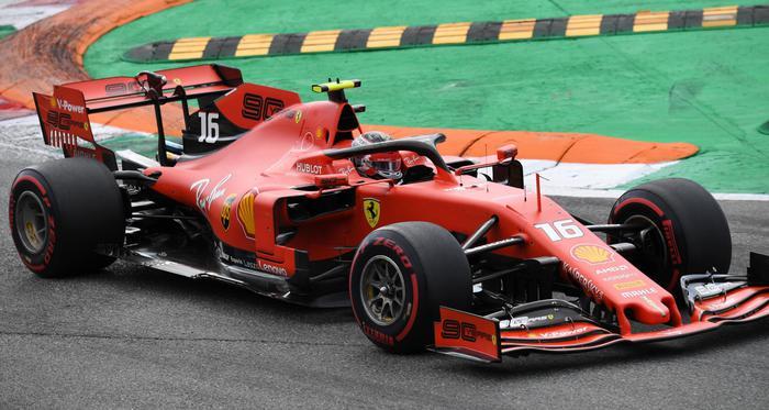 La Ferrari vince a Monza dopo 9 anni: è il trionfo di Leclerc