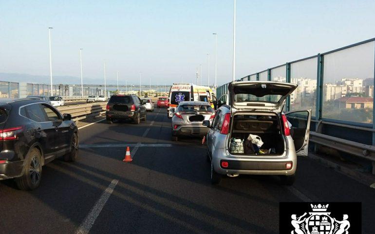 Scontro tra auto sull'Asse Mediano, resta ferito un bambino di 4 mesi