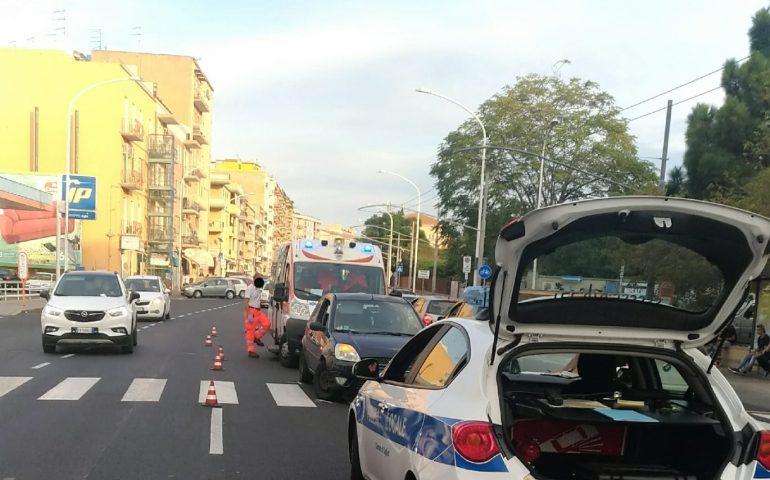 Cagliari, non vedente investito sulle strisce pedonali