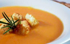 La ricetta Vistanet di oggi: vellutata di zucca, piace anche ai bambini