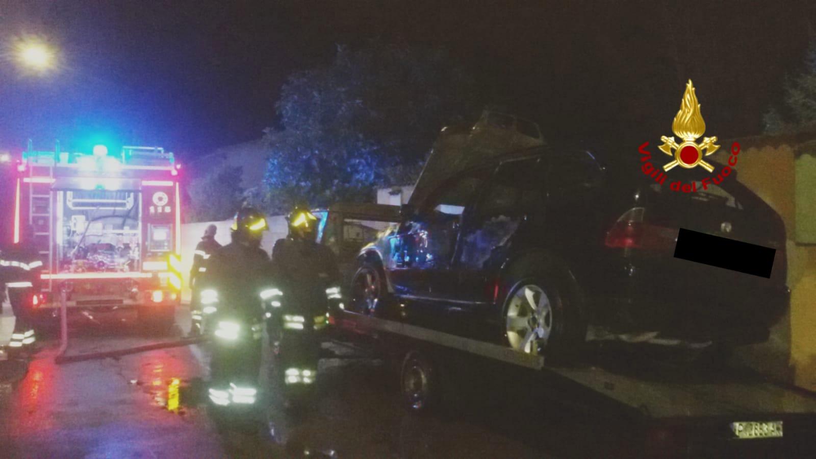 Auto incendiata a Villasor