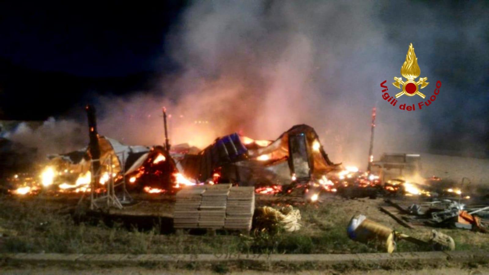Incendiato un chiosco a Solanas