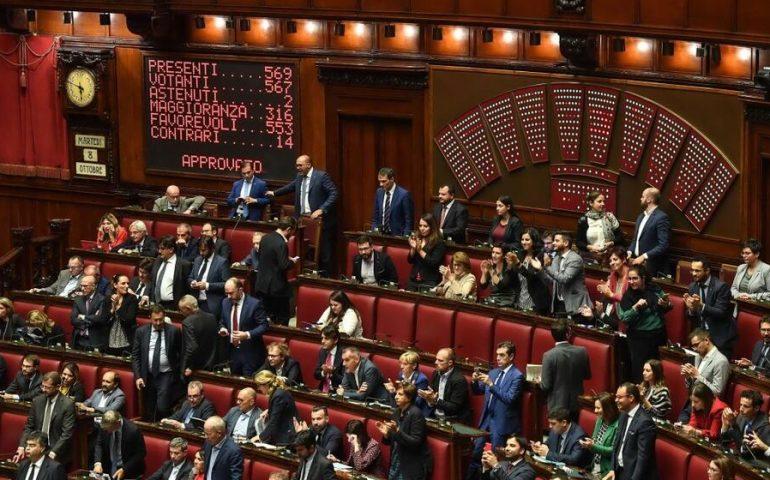 Camera, il taglio dei parlamentari è legge