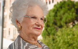 """No Vax, le parole della senatrice Liliana Segre: """"Follia paragonare vaccino alla Shoah"""""""