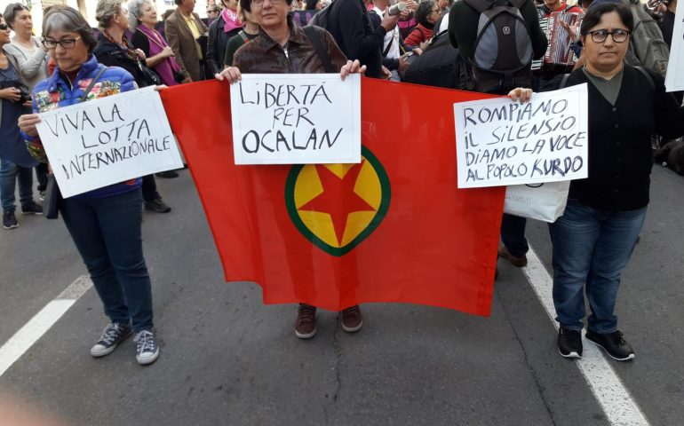 """La comunità curda in Sardegna: """"Non abbandonateci"""". Domani a Cagliari manifestazione di solidarietà"""
