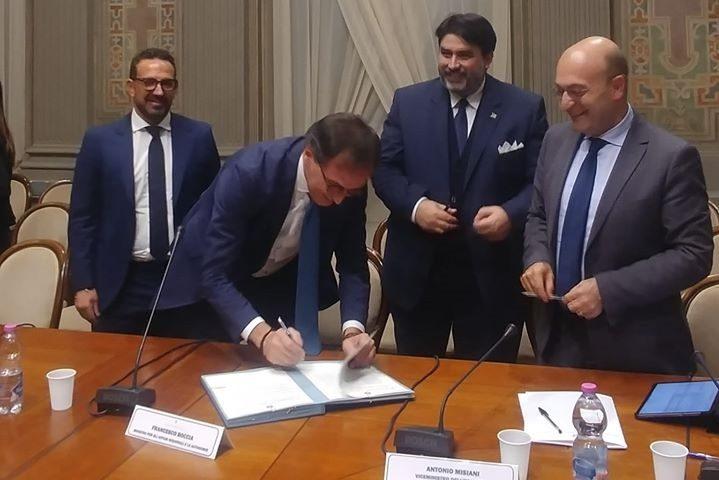 Firmato l'accordo Stato-Regione: nelle casse della Sardegna entrano 2,1 miliardi