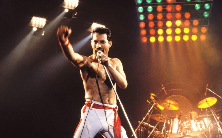 Accadde oggi. 24 novembre 1991: il mondo dice addio a Freddie Mercury e alla sua voce unica