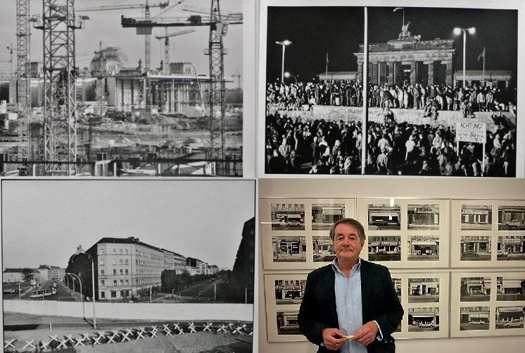 Alcune foto della mostra sulla caduta del muro di Berlino ad Ozieri del fotografo tedesco K.Lange