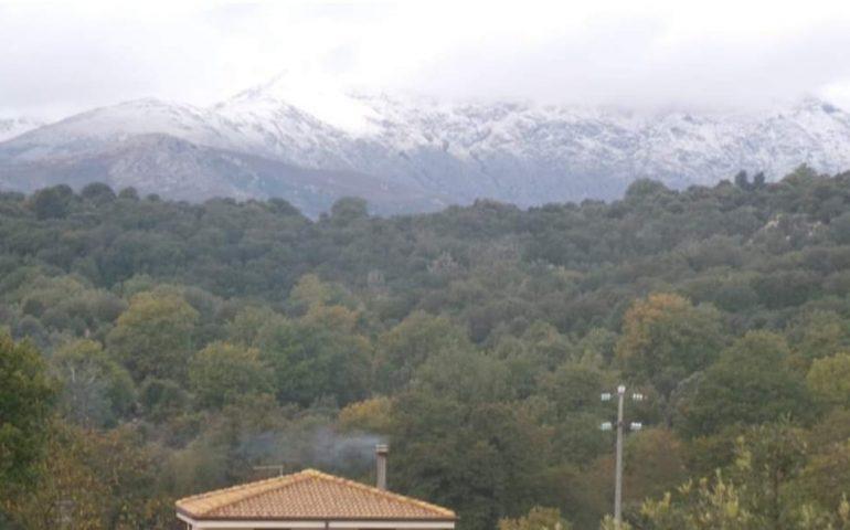 La foto. Arriva il freddo in Sardegna: prima neve sul Gennargentu