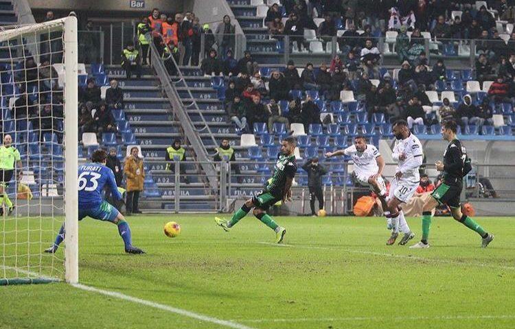 Anima e cuore rossoblù al Mapei Stadium. Il Cagliari beffa il Sassuolo al 90′