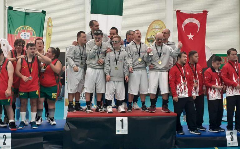 Due atleti sardi campioni del mondo con la nazionale italiana di basket sindrome di Down