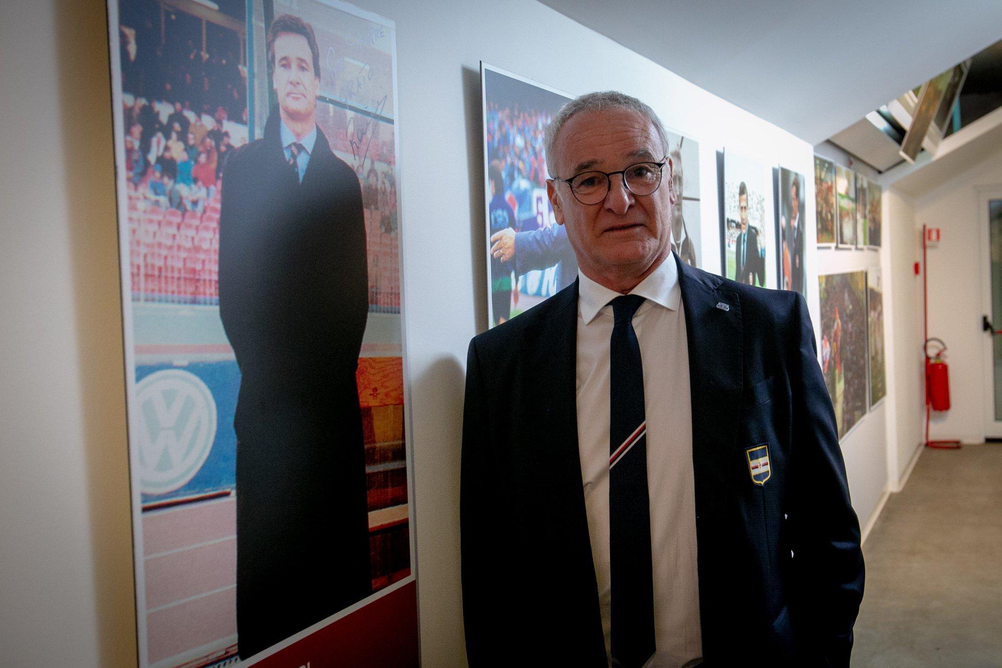 Claudio Ranieri al museo del Cagliari prima di Cagliari-Sampdoria