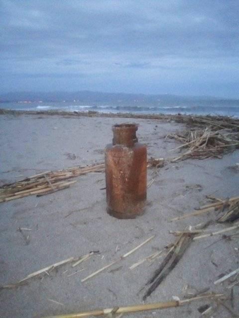 rifiuti-poetto-mareggiate (4)