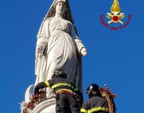 Cagliari, festa dell'Immacolata. I Vigili del Fuoco rendono omaggio alla Madonna