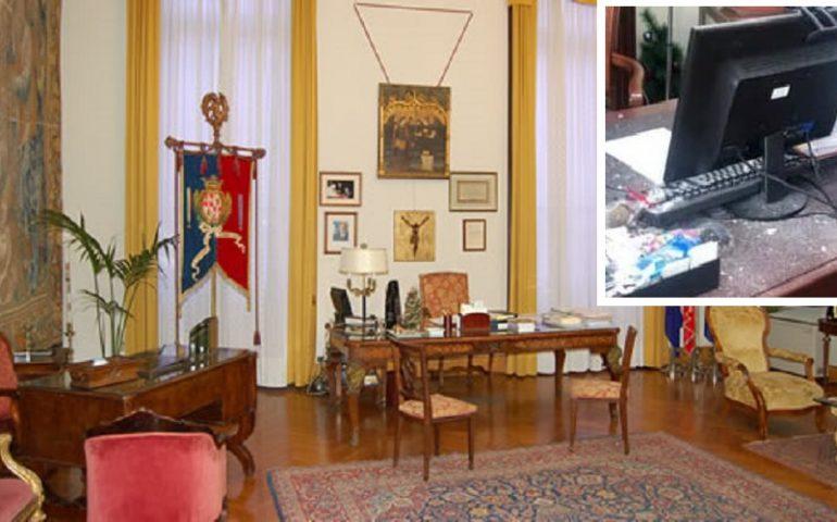 Cagliari, piovono calcinacci nell'ufficio del sindaco Truzzu a Palazzo Bacaredda