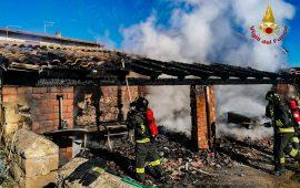Incendio a Narcao spento dai Vigili del fuoco