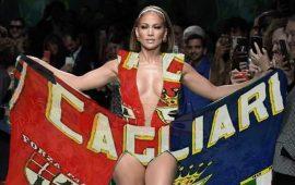 Jennifer Lopez con l'abito rossoblù