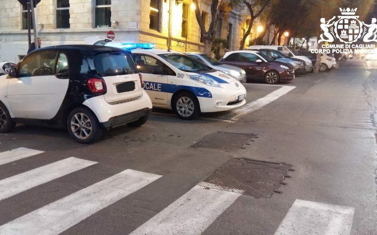 Cagliari, pomeriggio di incidenti: investiti 3 pedoni tra il largo Carlo Felice e piazza San Michele