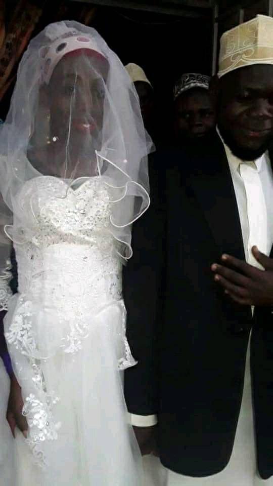 """Mohammed Mutumba con la """"moglie""""-truffatore"""
