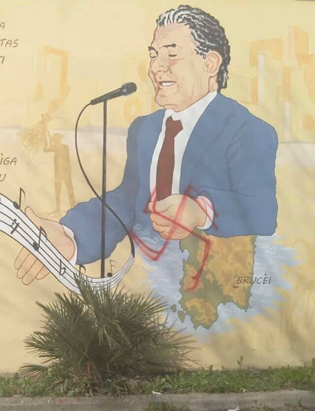Svastica sul murale di Raffaele Urru a Burcei