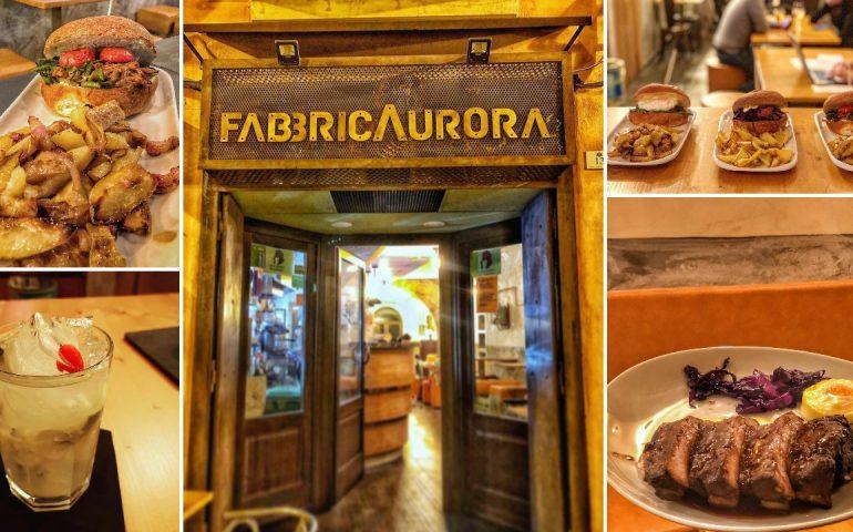(FOTO) Cagliari, aperto a due passi da piazza Yenne 'FabbricAurora', nuovo 'tempio' dei burger e del gin