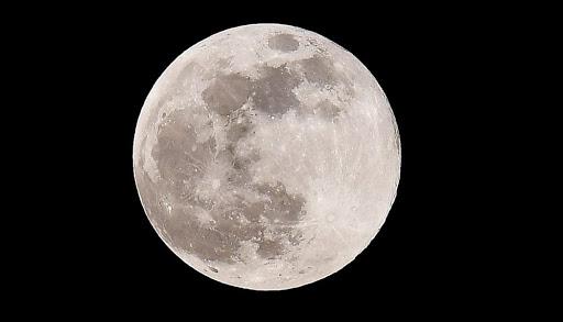Preparate le macchine fotografiche: domani ci sarà la splendida Luna di Neve