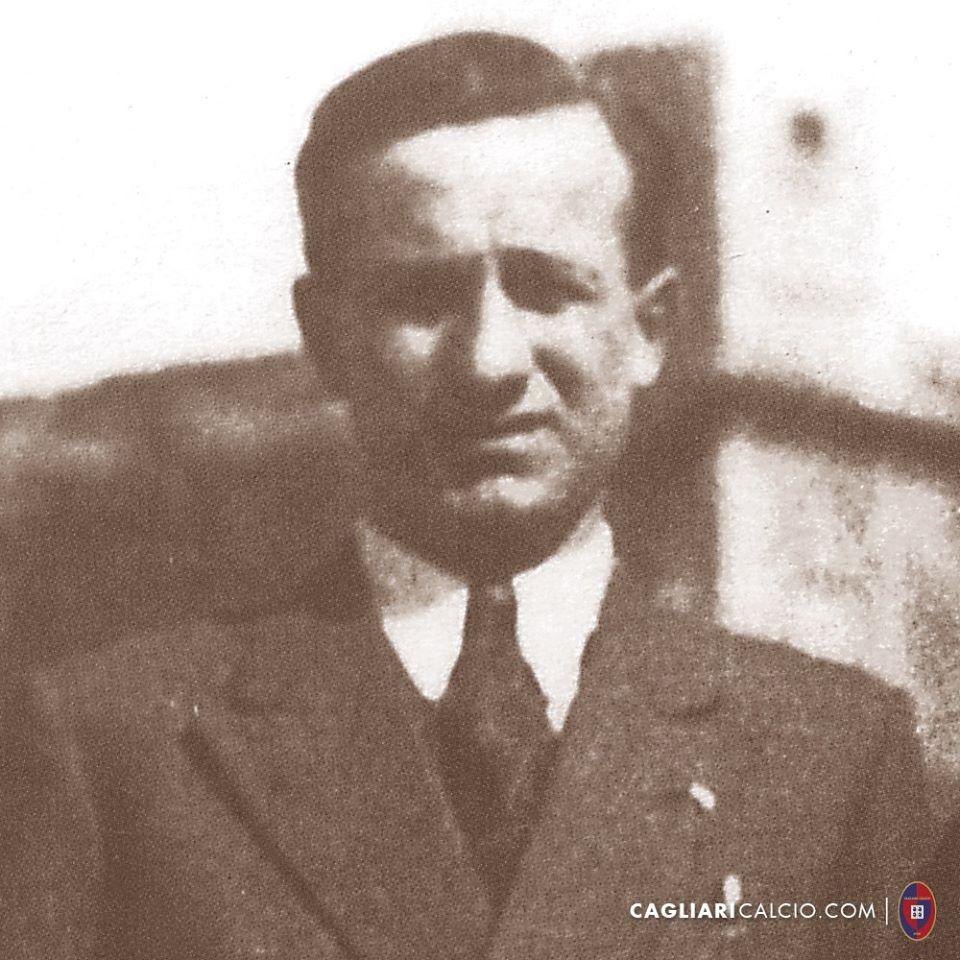 Erbstein in una foto pubblicata dal Cagliari Calcio