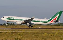 Airbus_A330-202,_Alitalia_JP7187398
