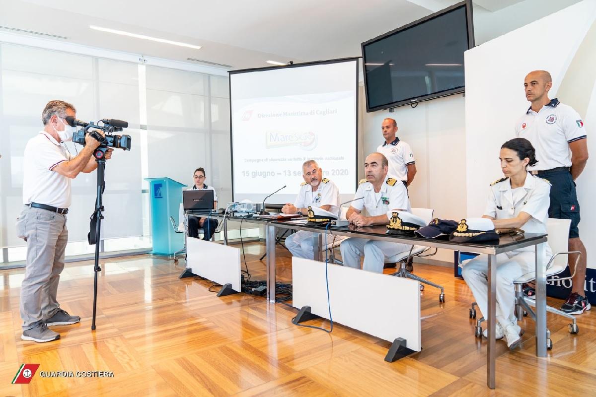 Il Direttore Marittimo di Cagliari C.V.(CP) Mario VALENTE durante il suo intervento