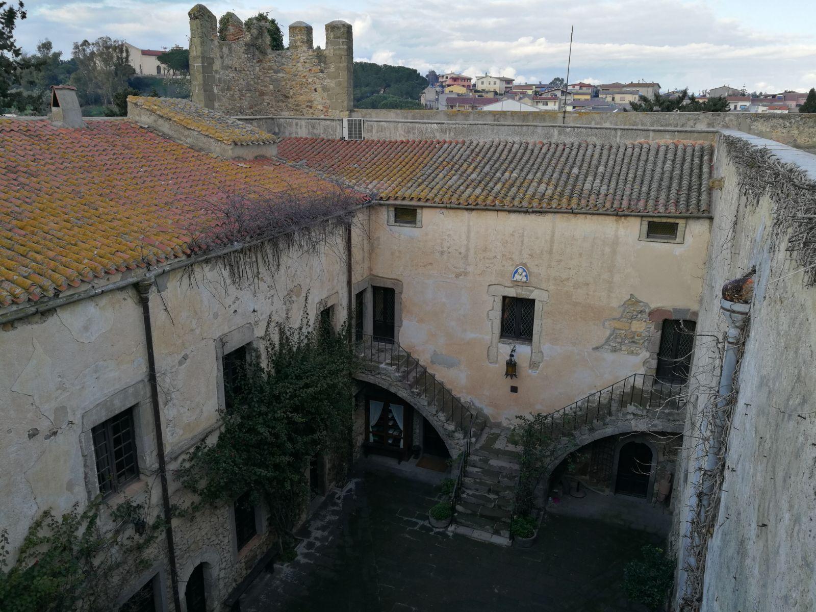 castello-sanluri