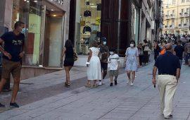 cagliari-mascherine-vie-dello-shopping-cagliari