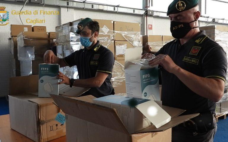 Frode mascherine alla Regione: maxi sequestro della Guardia di Finanza, non avevano certificazione