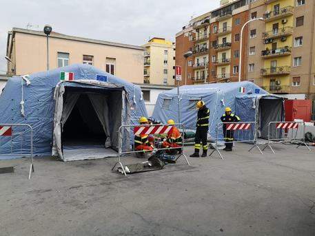 Covid-19, nasce a Nuoro l'ospedale da campo. Tra cinque giorni operativo con 20 posti