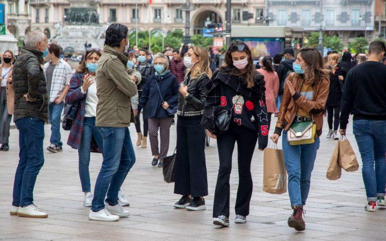 Nuove strette anti Covid: orario scuole, ristoranti massimo 6 per tavolo, stop alle palestre