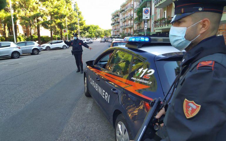 Cagliari: ubriaco si schianta sulla pensilina della fermata, salvi per miracolo due passeggeri in attesa