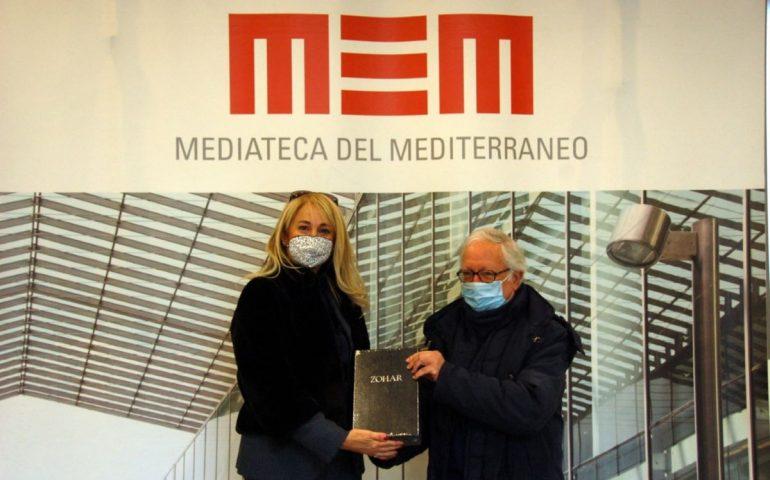 Paola Piroddi riceve il Sacro Zohar, il testo che unisce le religioni monoteiste