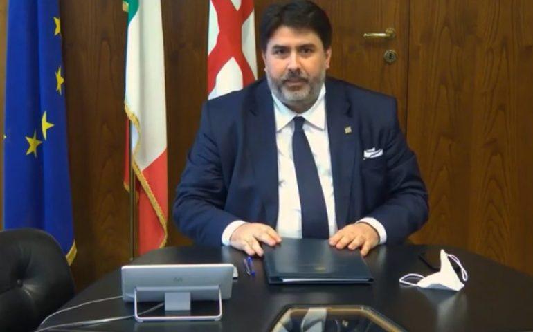 Covid-19, Solinas proroga tre ordinanze: tamponi confermati per chi arriva in Sardegna